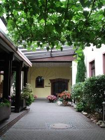 Gemeindehaus Innenhof in Ockenheim